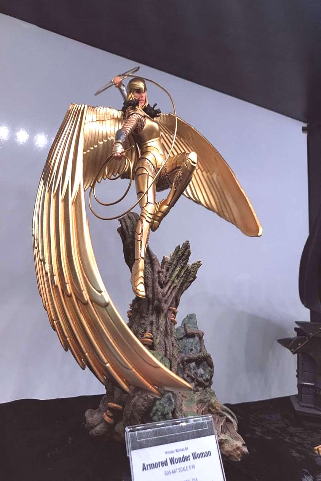 [NEW YORK TOY FAIR] New Pics!!! Armored Wonder Woman 84 by *Art S